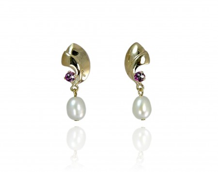 White Freshwater Pearl Earrings with Garnet