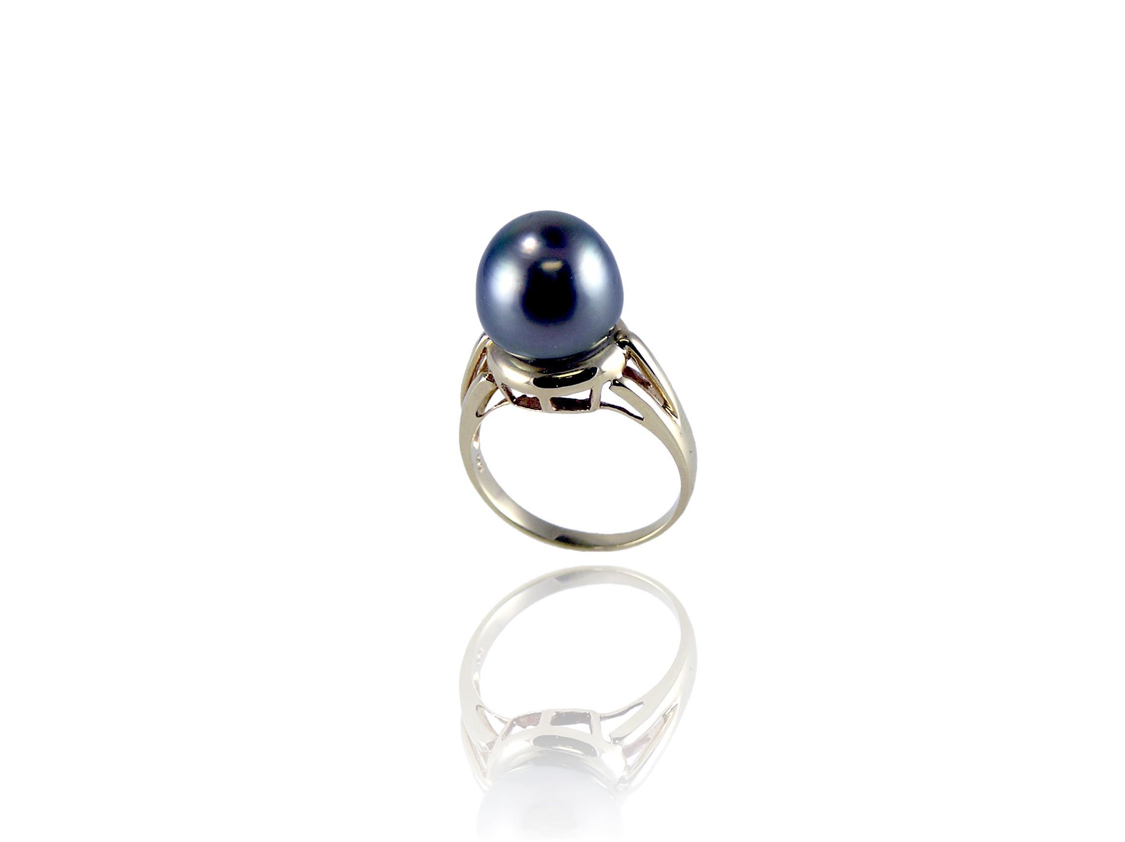 Black Tatian Saltwater Pearl Ring In 14 Karat Gold