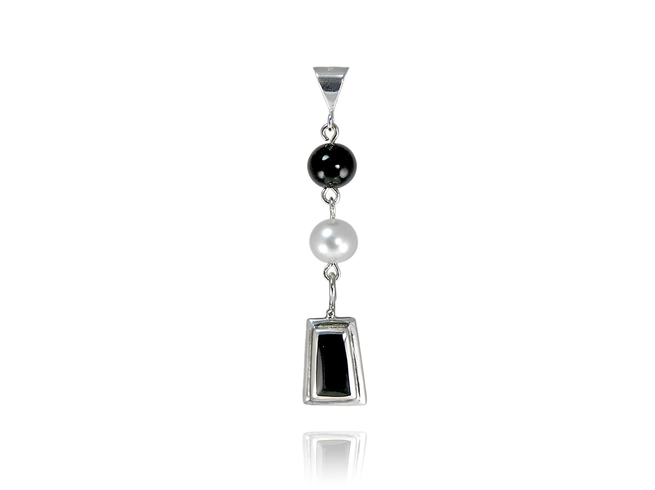 onyx bkgld pendant necklace