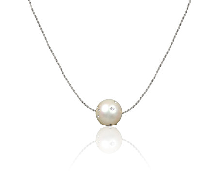 Freshwater Pearl with sterling silver chain and Swarovski Crystal