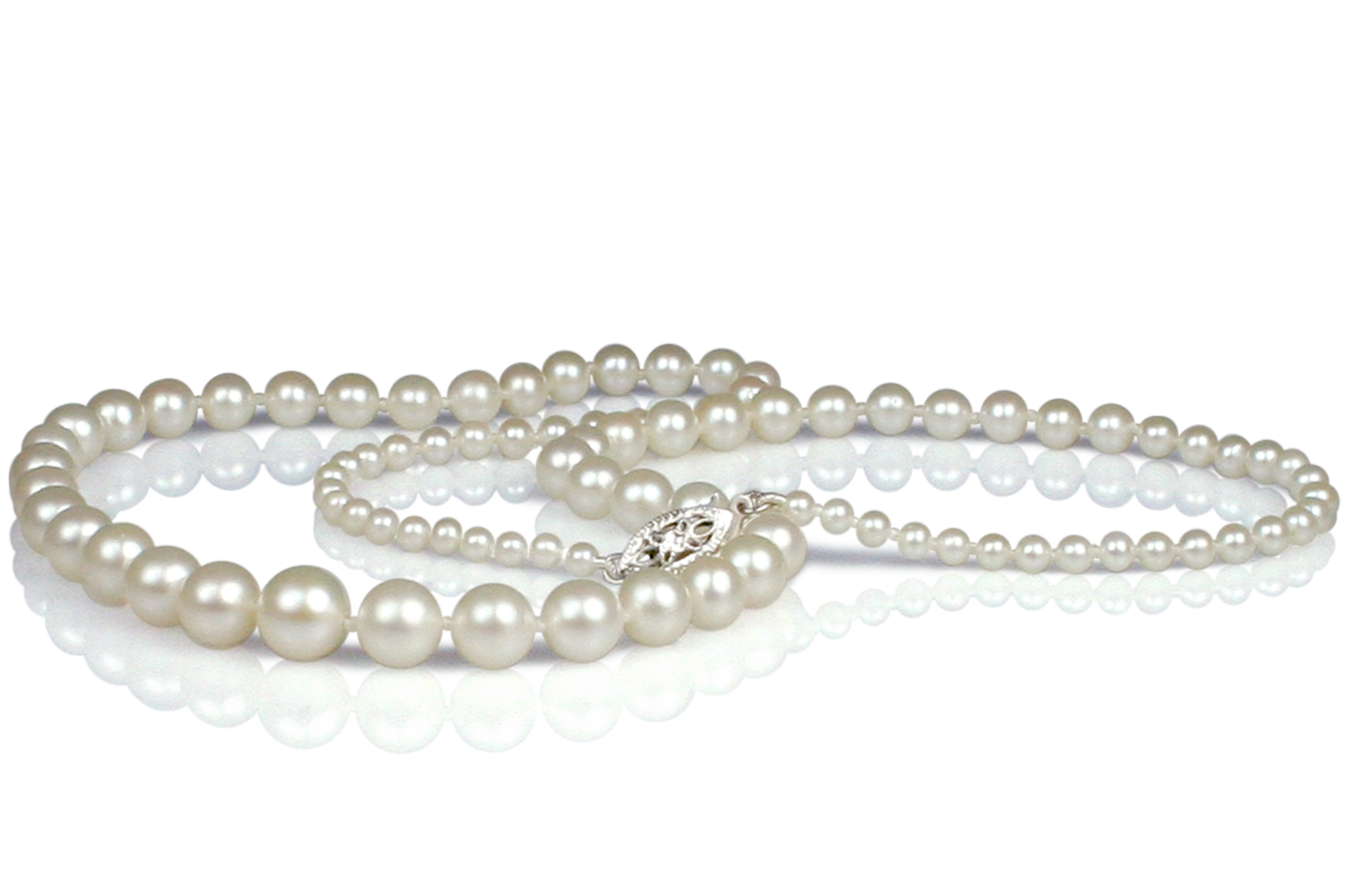 Graduated white akoya pearl necklace